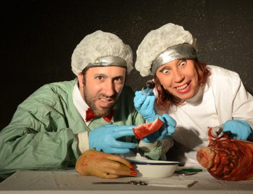 Au Théâtre, une comédie noire et décalée « 2222 racontar », jouée et racontée par la Compagnie Etc…Art