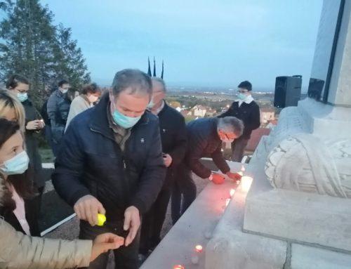 Les élus et habitants ont rendu hommage à Samuel Paty