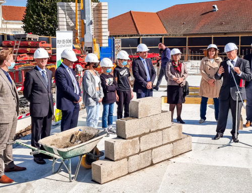 Pose de la 1ère pierre des travaux d'extension et de rénovation du Collège Champlaux